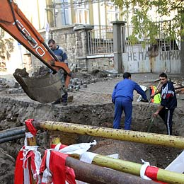 Bulgaria: Heating Workers Stumble Upon Ancient Tombs in Sofia