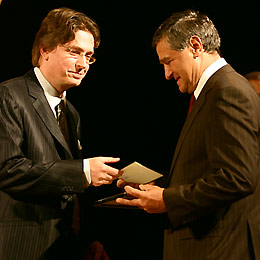 Bulgaria: Bulgarian University Dean Grabs Novel of the Year Award