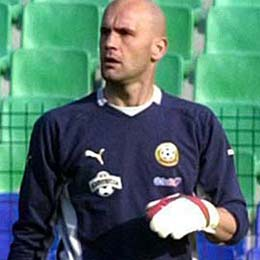 Bulgaria: Former Bulgaria Keeper Zdravkov Retires End-Season