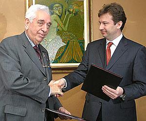 Bulgaria: Bulgaria Ombudsman, UNICEF Representative Sign CoopProtocol