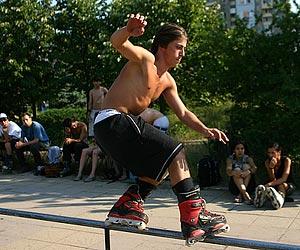Bulgaria: Intl Inline Skaters Storm Sofia for Black Sea Tour 07 Final