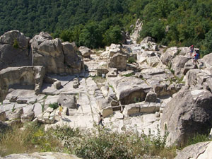 Bulgaria: Bulgarian Archaeologists Discover Christian Necropolis on Perperikon