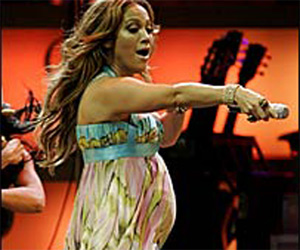 Bulgaria, Florida, Jennifer Lopez, pregnancy: Jennifer Lopez Confirms Pregnancy at Florida Concert