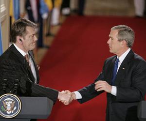 Bush Endorses Ukraine's NATO Prospects in Kiev