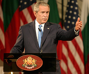 Bush Urges Greece to Solve Name Row with Macedonia