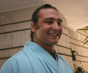 Bulgaria Sumo Wrester Kotooshu Wins Emperor??™s Cup: Bulgaria Sumo Wrester Kotooshu Wins Emperor's Cup