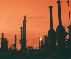 Oil Drops Below USD 55 amid Slowing Global Demand: Oil Drops Below USD 55 amid Slowing Global Demand