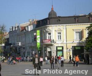 Bulgaria Romanian and Greek Businesses Escape to Bulgaria to Avoid Financial Crisis: Romanian and Greek Businesses Escape to Bulgaria to Avoid Financial Crisis