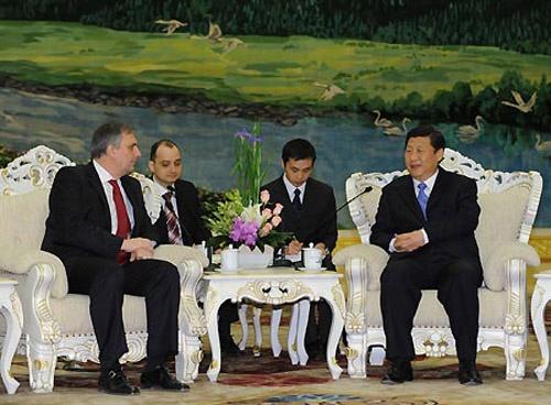 Bulgaria Bulgaria Foreign Affairs Minister Becomes Shanghai Professor: Bulgaria Foreign Affairs Minister Becomes Shanghai Professor