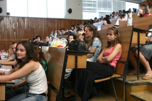 Bulgaria: 80 000 Bulgarian Students Take Second School-Ending Exam