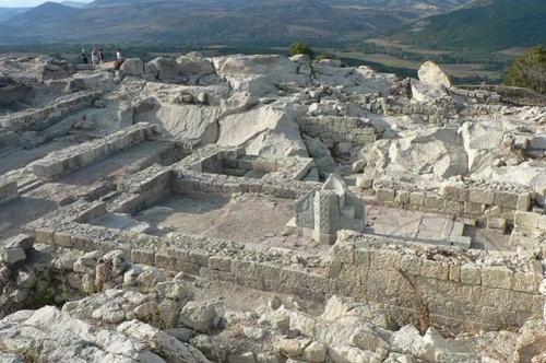 Bulgaria: Bulgaria President Turns First Sod of Tourist Center at Perperikon