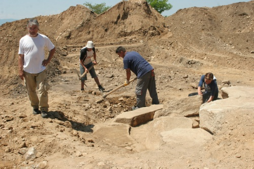 Bulgaria: Bulgarian Archaeologists Discover 7 000-Years-Old Settlement