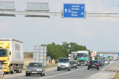 Bulgaria: Enormous Traffic Jams Close to Bulgaria Black Sea Resorts
