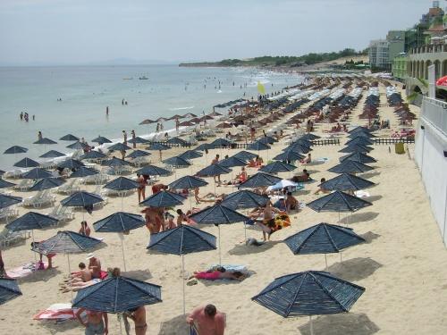 Bulgaria: Wildfire Closes Bulgaria Black Sea Road, Threatens Top Resort