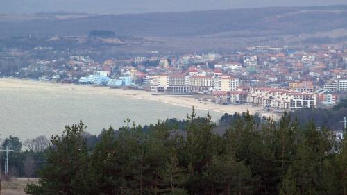 Bulgaria: Stolen Cars Depot Busted in Bulgaria Black Sea Resort