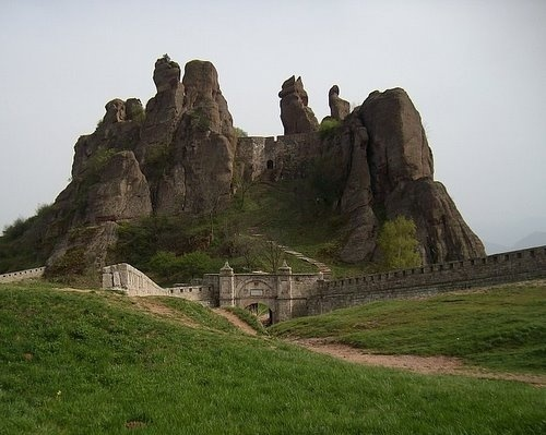 Bulgaria Belogradchik Rocks Rank 2nd on 7 Wonders Reserve List: Bulgaria Belogradchik Rocks Rank 2nd on 7 Wonders Reserve List