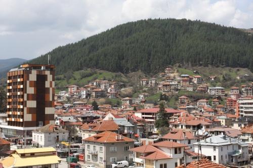 Bulgarian Town Rises againstdundee town
