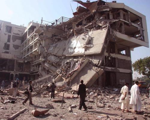 peshawar market car bomb kills many in pakistan - novinite com