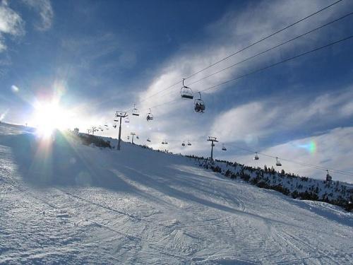 Bulgaria Ski Resorts 40% Cheaper Than French Alps - Survey: Bulgaria Ski Resorts 40% Cheaper Than French Alps - Survey