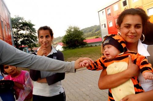 Czech Government Regrets Illegal Sterilization Of Roma Women