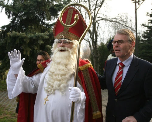 Bulgaria: Dutch Sinterklaas Arrives in Sofia on Horseback