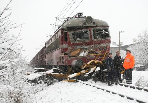 2 Fatalities In Bulgaria Train Snow Plow Collision