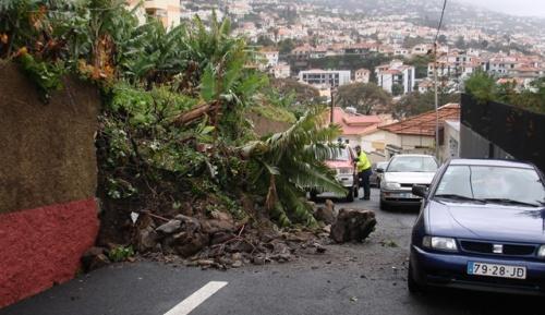 Many Killed in Madeira Floods, Mudslides: Many Killed in Madeira Floods, Mudslides