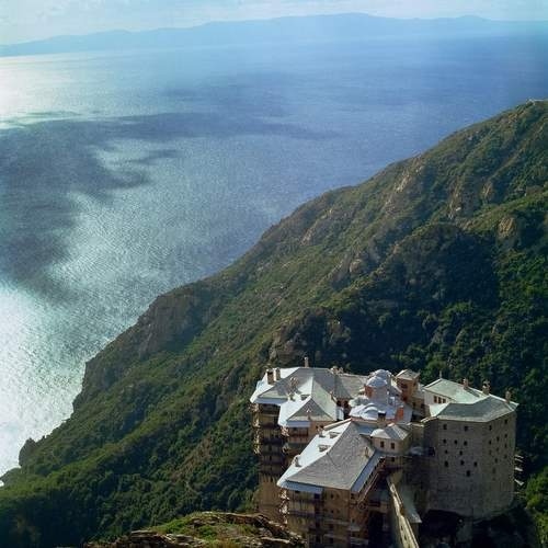 Bulgaria: Greece Moves to Attract Bulgarian Tourists to Mount Athos