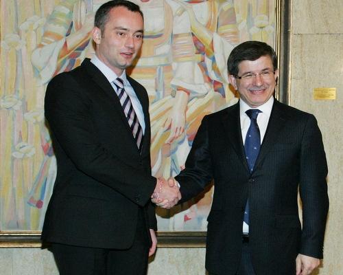 Султан Ахмет Давут заповяда на гяурите Борисов и Младенов да регистрират веднага Алиш Хаджи.