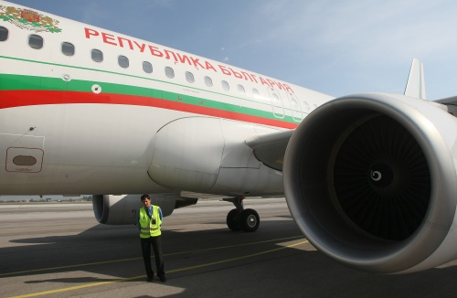 Bulgaria: Bulgaria Presidential Plane Banned from Flying after Polish Crash