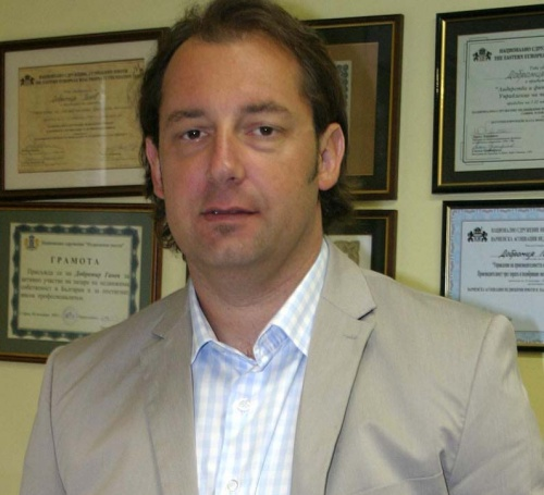 Bulgaria: Foros CEO Dobromir Ganev: Bulgaria Hotels Forced to Put Up 'For Sale' Notices