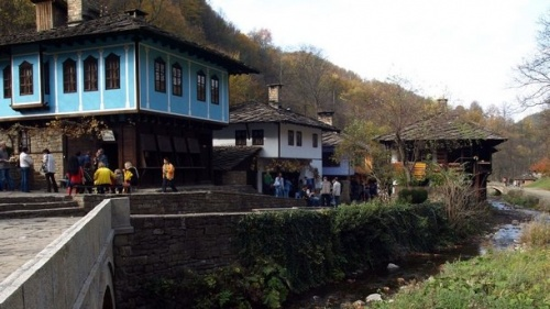 Bulgaria's Gabrovo Hosts International Crafts Fair: Bulgaria's Gabrovo Hosts International Crafts Fair