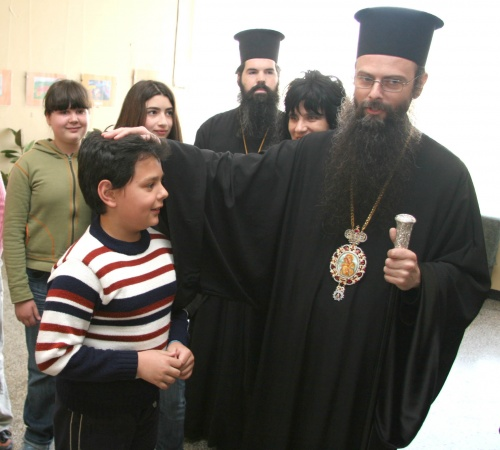 Bulgaria: Bulgarian Bishop Hands Medals to 'Defenders of Christianity' from Gays