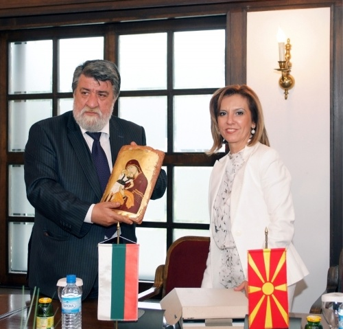 Bulgaria: Bulgaria, Macedonia Come Closer on Culture