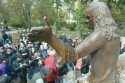 Bulgaria: 500 Honor Unveiling of Ronnie James Dio Monument in Bulgaria
