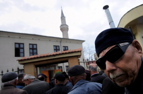 Bulgaria: Bulgarian Police Raid Suspected Radical Islamists, Locals Protest