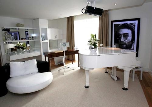 World Marks John Lennon S 70th Birthday Novinite Com Sofia News Agency