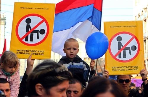 Bulgaria: Rioters Throw Petrol Bombs at Gay Parade in Serbia