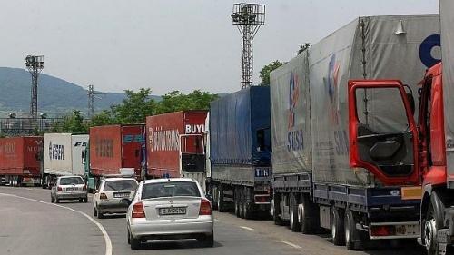 Bulgaria: Sluggish Bulgarian Customs Said to Blockade Turkey Border