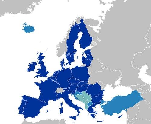 Bulgaria: Croatia, Iceland Slated for EU Accession, Macedonia's Hopes Frustrated