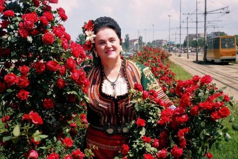 Bulgaria: Bulgarian Folk Singer Nadka Karadjova Passes Away