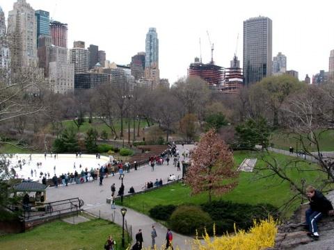 New York City Bans Smoking in Parks, on Beaches - Novinite