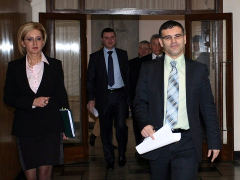 Bulgaria: Bulgarian FinMin Focuses on 'Financial Stability Pact', Leaves Euro Bid Aside