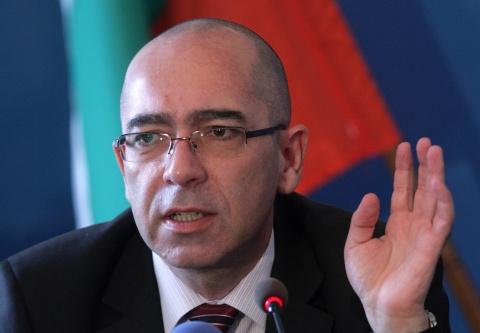 Bulgaria: Bulgarian Health Minister Demands All-out Smoking Ban