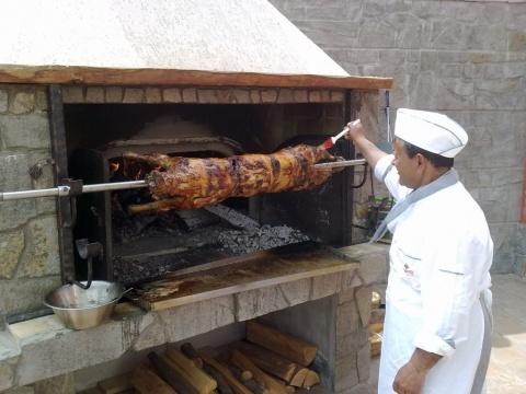 Bulgaria: Bulgarians Stuff Themselves Like Hell on Easter