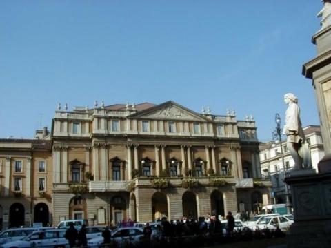 Bulgaria: Bulgarian Opera Singer Atanas Mladenov: Internet Era Helps Boost Opera Art