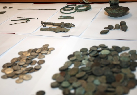 Bulgaria: Canada Returns to Bulgaria 21,000 Archaeological Objects