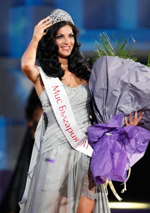 Bulgaria: Miss Bulgaria 2011 Still Looking for Mr Right