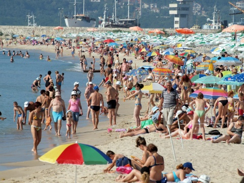 Bulgaria: Bulgaria Finally Basks in Glorious Sun, Beaches Packed Full