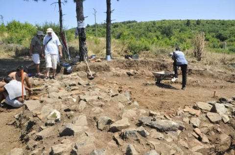 Bulgaria: Bulgarian, French Archaeologists Find Apollo Coins from 4th Century BC